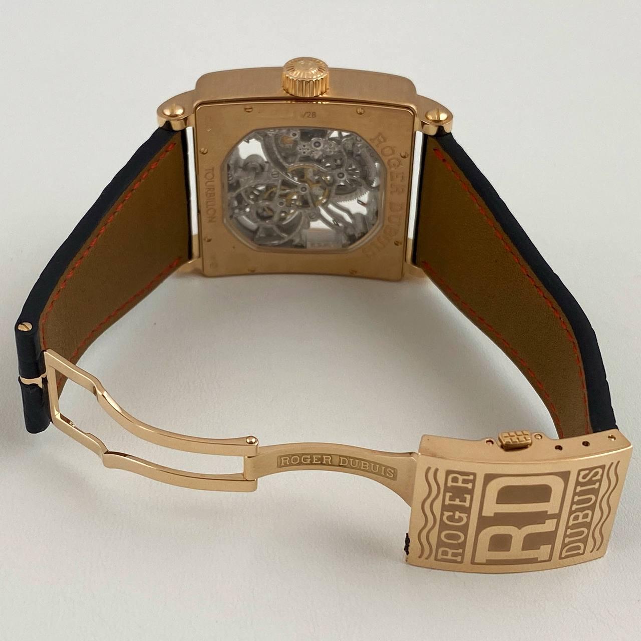 Часы Roger Dubuis GoldensQuare G40 02SQ 5 V.10A