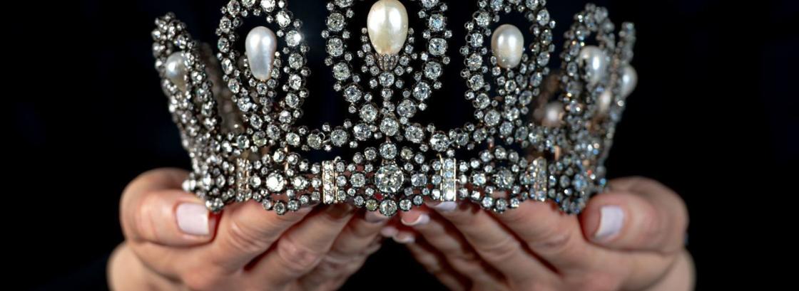 Уникальная тиара итальянских монархов продана за $1,66 млн