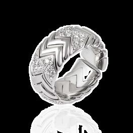 Кольцо с бриллиантом Bvlgari  с бриллиантами
